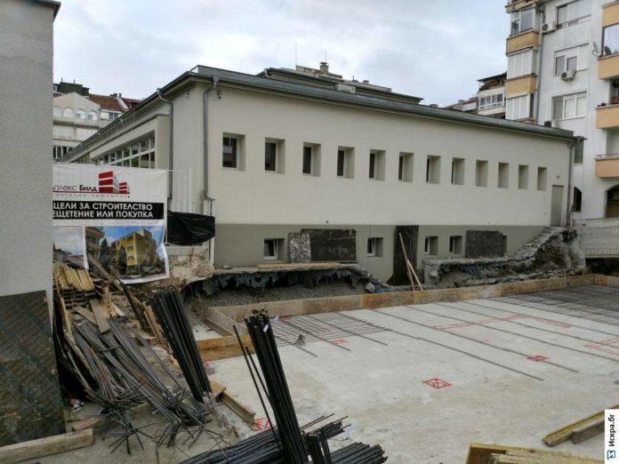 Строеж в училище, Архив