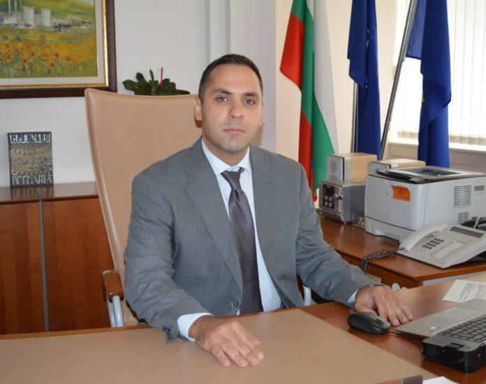 Министър на икономиката Емил Караниколов