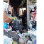 Боклук на станция Булгартабак в Несебър