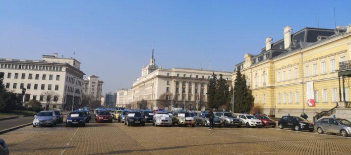 Протест на автоинструкторите в София