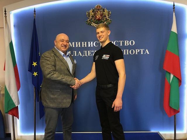 Министър Кралев и Теодор Кабакчиев
